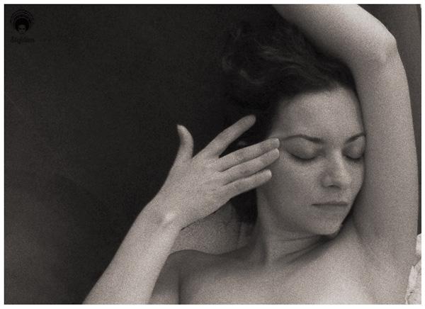Portrait Karine noir et blanc