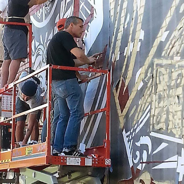 shepard-fairey-at-work-new-york-west-20th-street